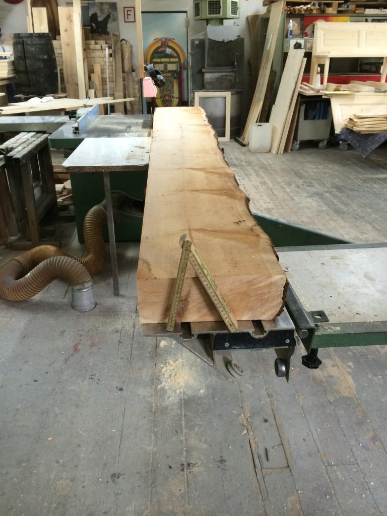 120 mm starkes Zirbelbrett für die Rahmen der Wandverkleidung